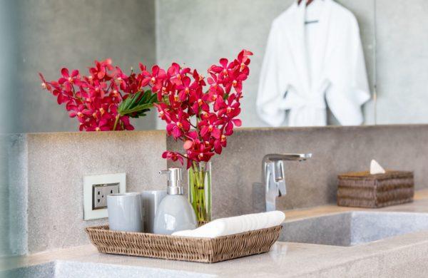 46 Guest Bath 3 (79)