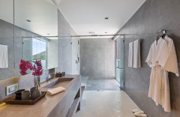 48 Guest Bath 4 (88)